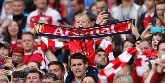 Gooner-la-ten-fanclub-trung-thanh-cua-cau-lac-bo-Arsenal